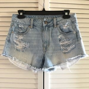 American Eagle distressed short shorts